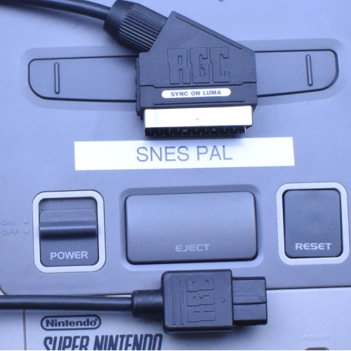 Nintendo Super SNES RGB SCART cable SYNC on LUMA for PAL console